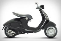 Vespa 946 in black