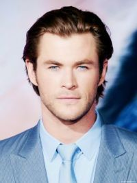 Chris Hemsworth in blue