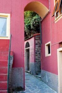 narrow street in monterosso