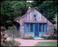 Blue Door Hidden Cottage with Peacock
