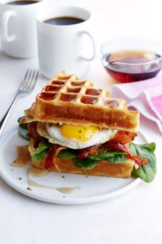 ButterMilk Waffle, Bacon & Egg SandWich