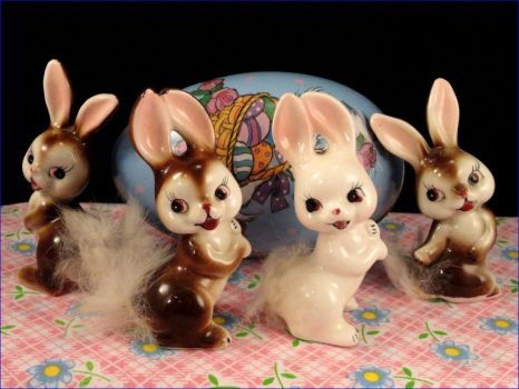 Easter - Cottontail Bunnies