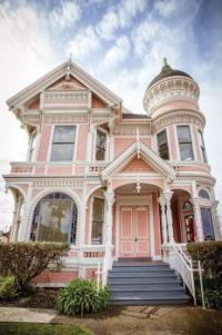 1889 Victorian home in CA