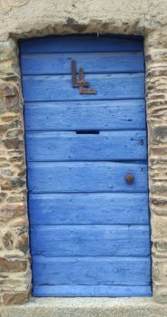LL in blue