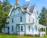 1843 Victorian Home in PA