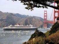 Queen Mary 2 in San Francisco