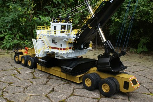 Interesting model of a mine transporter_01