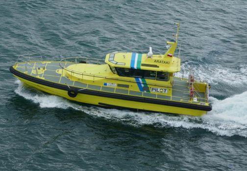 Yellow Pilot boat, Arataki,