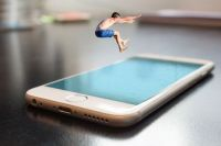 Vandskade / Dive into your phone
