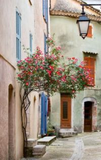 Gasse in Villecroze - Provence / southern France