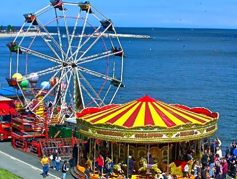 FAIRGROUND BY THE SEA