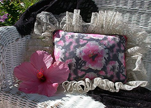 Lacey Pillow with Hibiscus