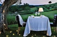 Romantic-Outdoor-Dining-Table-Design