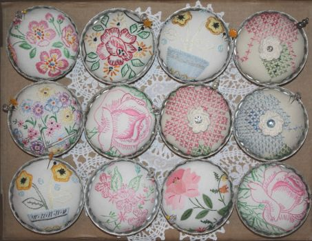 Pin Cushions in Tart Tins!