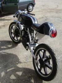 Art on wheels. Honda CB125