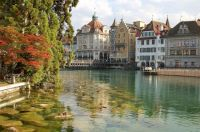 Reuss river in the old part of Lucerne/Switzerland (Simon Koopmann, commons.wikimedia.org)
