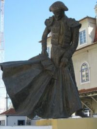 bullfighter monument Portugal