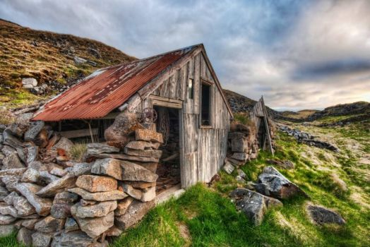 Old Shed in Iceland - From Trey Ratcliff at www.stuckincustoms.com