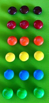 Well lined M&Ms, yummmm