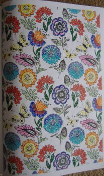 Art - Colouring - Wallpaper Pattern: Floral Multi & White (Small)