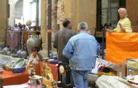 Bargaining at the antique market in Arezzo