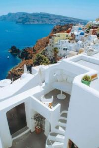 Whitewashed, cubiform house in Santorini, Greece