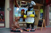 Downtown bears 3