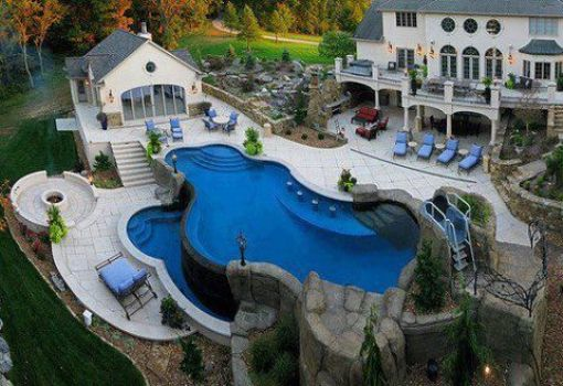 now, this is a pool!