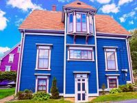 Crooked Blue House, Lunenburg