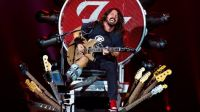 Dave Grohl canta quebrado