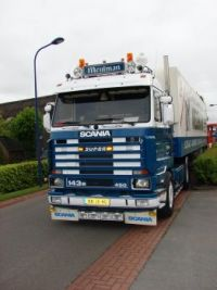 A Scania 143M truck