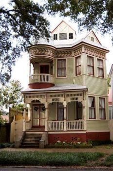 Another Victorian with red trim . . . . .