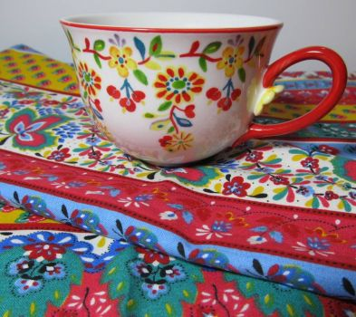 "A ""Folky"" Cup and Cloth"