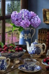 Tea Time in Blue