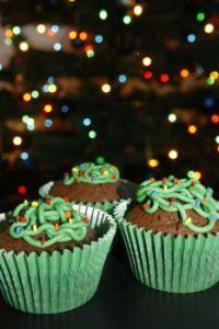 Tangled Christmas Light Cupcakes