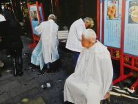 Hairdressers in the streets of China