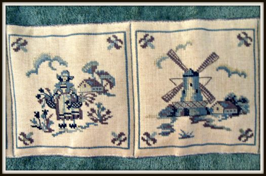 Thread count embroidery - Delft tiles 2 of 4