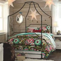 Cool Canopy Bed