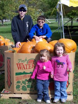 Grandkids at Cider Mill