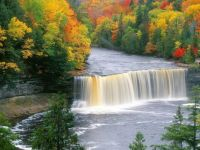 tagquamenon upper falls peninsula Michigan