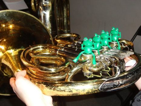 Froggy French Horn