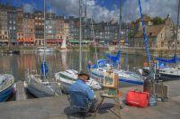 Un peintre sur le port de Honfleur-Wikipedia