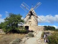 17 10 10 Windmill - Millstone for Quarry_IMG_0568