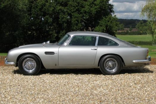 Aston+Martin+DB5+James+Bond+2