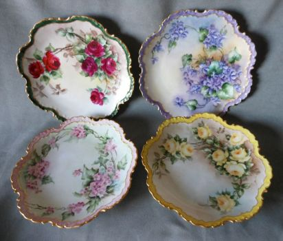 Dainty Flowered Antique Plates