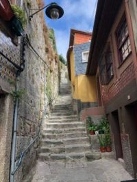 Going up - Porto