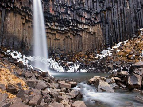 svartifoss-waterfall-iceland_53926_600x450