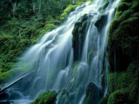 Waterfall-Cascade-Mountains-Oregon