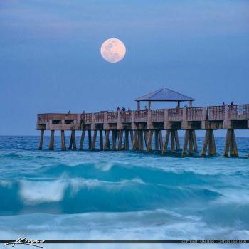 Juno Beach Pier, Florida