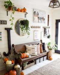 Farmhouse decorations for Fall